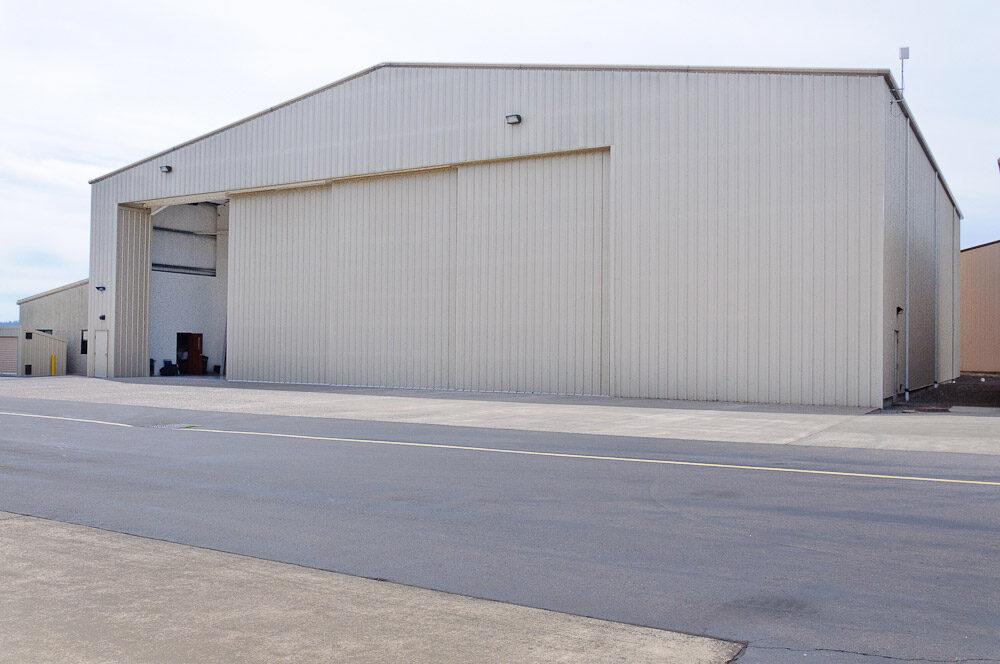 Airplane Hangar 4